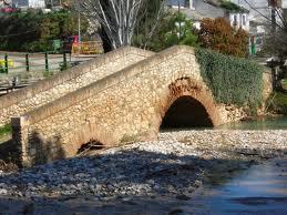Rio Frio bridge