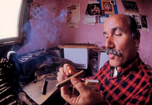 """El Cubanito,"" cigar maker on the island of La Palma, Canary Islands"