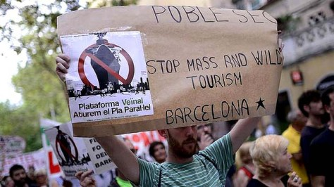Barceloneta tourism protest