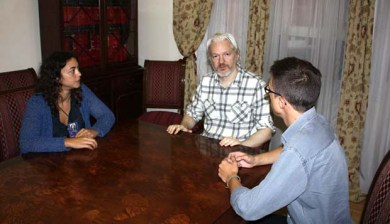 Assange Podemos Embassy