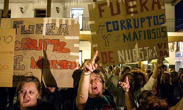 Anti-corruption protesters Madrid