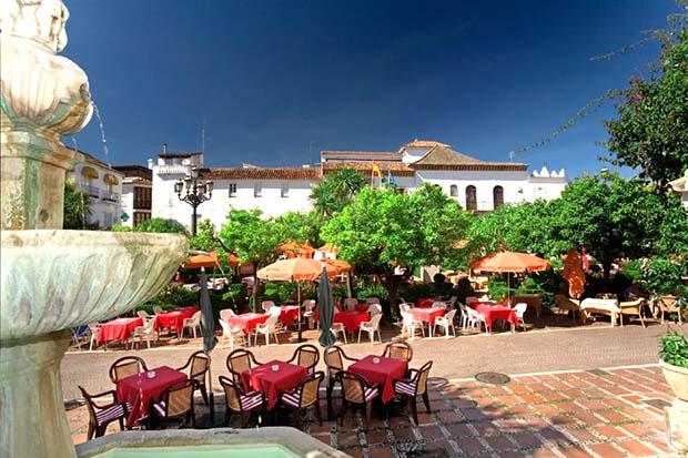 Plaza Naranjos Marbella